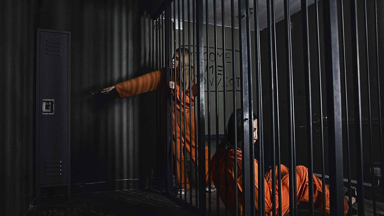 Prison Best Escape Rooms In Los Angeles Maze Rooms